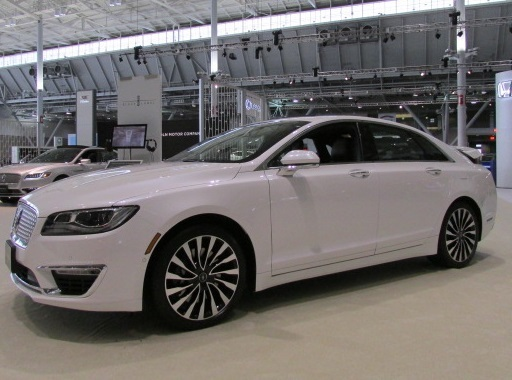 The Lincoln MKZ  (Mike Twist Photo)
