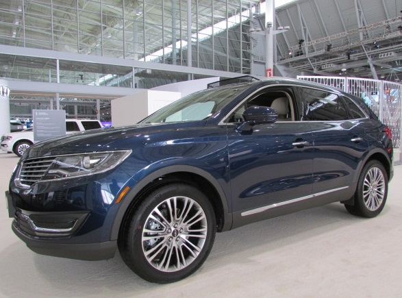 Lincoln MKX  (Mike Twist Photo)