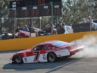 Dave Farrington's #7 has problems in the Dogwood 300.  (PASS Photo)