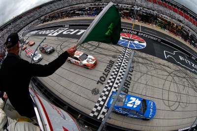 The start of the NASCAR Monster Energy Cup Series race at Bristol.  (NASCAR Photo)