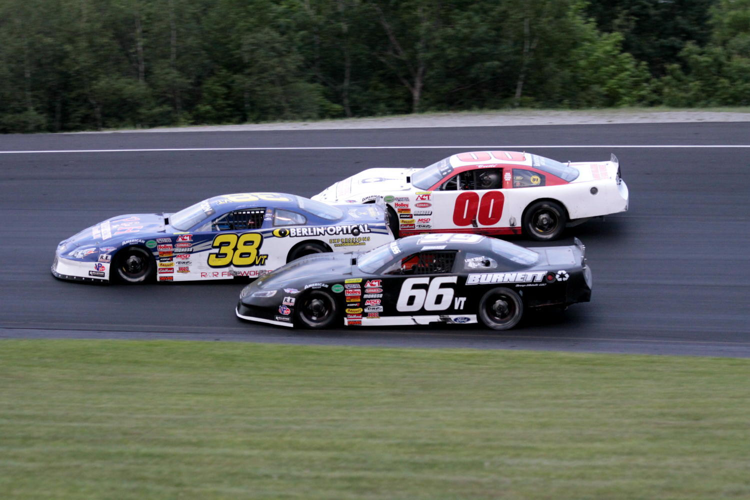 Late Models at Thunder Road.  (Alan Ward Photo)